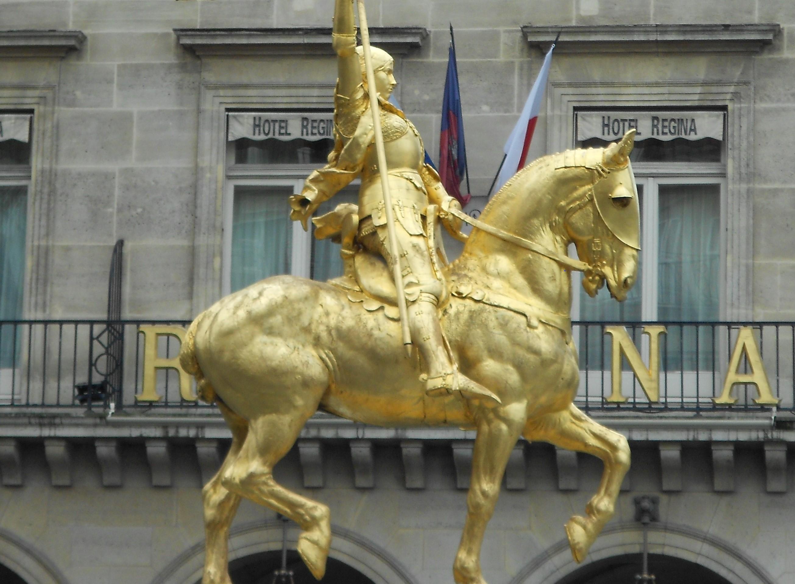 Paris_75001_Place_des_Pyramides_Jeanne_d'Arc_equestre_by_Frémiet_W2 - Αντιγραφή.jpg